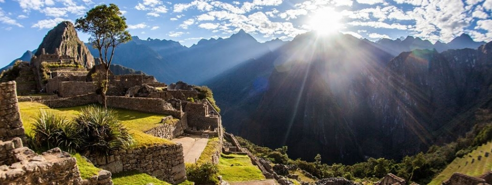 machu-picchu-sunrise sacred valley cusco lima peru south america tour package vacatipn travel visit